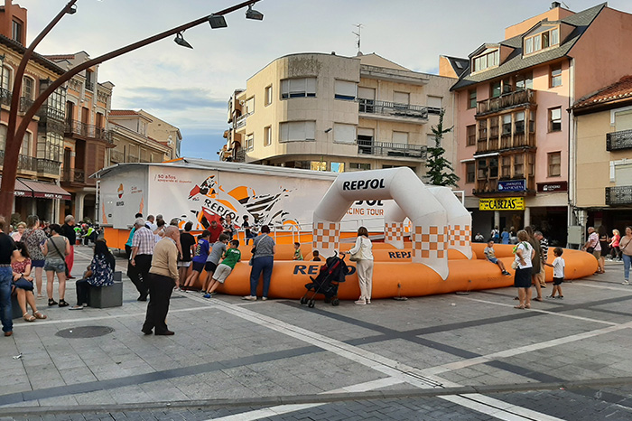 Exposición de Repsol Racing Tour en La Bañeza